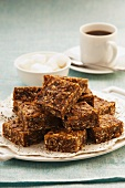 Apple-date-muesli squares