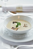 Porcini mushroom-hazel nut soup with cream