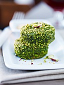 Sausage coated in pistachio nuts (Saucisson Lyonnais coque pistache)