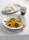 Kürbisgnocchi mit Gemüse und Salbei
