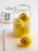 Eingelegte Salzzitronen