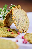 Spicy pistachio biscuits