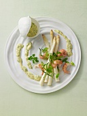 Asparagus with crayfish and Bearnaise sauce