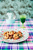 Fried prawns with garlic and parsley