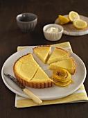 Zitronentarte mit karamellisierten Zitronenscheiben