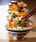 Rice with prawns and vegetables