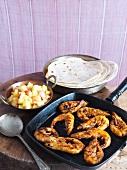Tandoorigarnelen mit Ananaschutney und Fladenbrot
