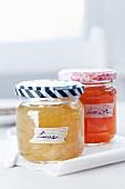 Buntes Masking Tape auf Deckeln und als Schildchen für Marmeladengläser