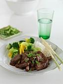 Rindfleisch mit Ingwer, Knoblauch und Hoisinsauce (Asien)