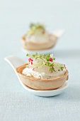 Pastry bowls with quark, radishes, cucumber and cress