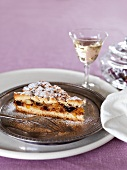 Crostata di ricotta (ricotta cake with dried fruit)