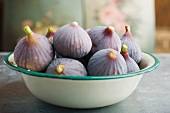 Bowl of ripe figs