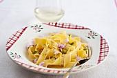 Tagliatelle with garlic and lemon