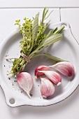 Bouquet garni and garlic cloves