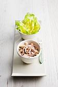 Weisser Bohnensalat mit Thunfisch und Zwiebeln