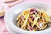 Pasta with a ham and mascarpone sauce