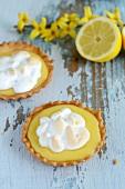 Zitronentörtchen mit Baiserhaube