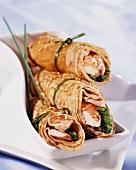 Pancake rolls filled with prawns (Asia)