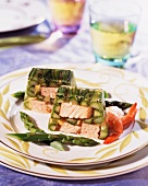 Green asparagus and salmon in aspic