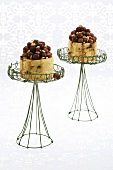 Cheesecakes with caramelised grapes and pine nuts
