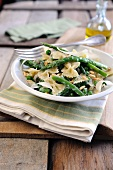 Pasta primavera with a ricotta and lemon sauce