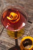 Wodka-Martini mit Orangenschale