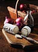 Cheese, red onion and balsamic vinegar
