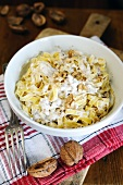 Tagliatelle with ricotta and walnut sauce
