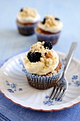 Blackberry and apple cupcake with a crumble topping