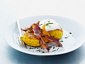 Polpette di riso all'uovo (rice cakes with eggs and bacon)