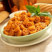 Wagon Wheel Pasta with Marinara Sauce