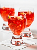 Tea punch with lemon slices