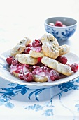 Pistachio biscuits with raspberries