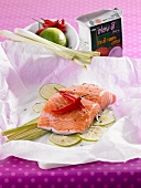 Salmon with lemon grass, limes and chilli en papillote