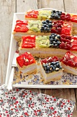 Sliced fruit cheesecake