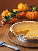 Pumpkin Pie, angeschnitten, zu Thanksgiving