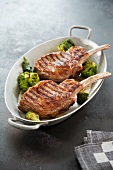 Veal chops with broccoli