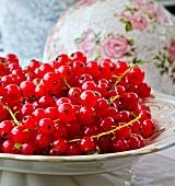 A bowl of redcurrants