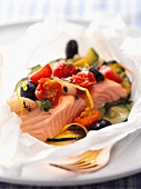 Salmon and vegetable parcels