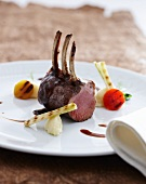 Rack of lamb with grilled vegetables and Burgundy sauce