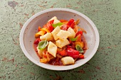 Gnocchi al peperone (gnocchi with peppers and basil)