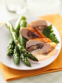 Stuffed guinea fowl breast with green asparagus