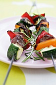 Beef kebabs with courgette, pepper and rosemary