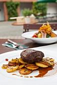 Rump steak with fried potatoes