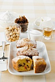 Dolce di ricotta (ricotta cake with raisins and pine nuts)