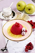 Gelatina di bacche in salsa di mele (berry jelly with sauce)