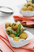 Fried dumplings with asparagus