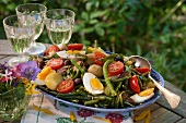Salad Niçoise with green beans, tuna and egg