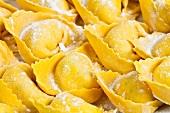 Tortelloni infarinati (fresh tortellini dusted with flour)