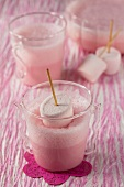 Strawberry mousse with marshmallows